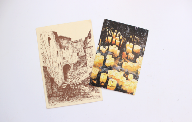 Cartões postais que vieram da Itália e da China.