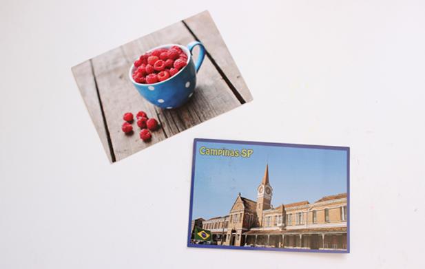 Cartões postais que vieram da Rússia e do Brasil.