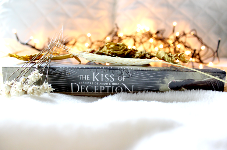 Kiss of Deception - Juliana Fiorese